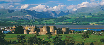 Beaumaris Castle 393.jpg